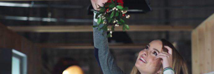 Amazon 2015 – Christmas with Bridgit Mendler